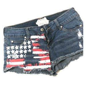 😍Altered State Flag Short Shorts